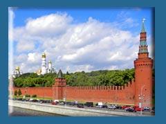 Вокруг Кремля снова появится двустороннее движение