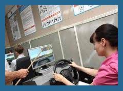 Московских школьников и студентов обучат водить автомобиль