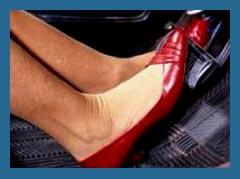 Почему женщины путают педали в автомобиле